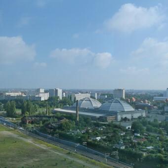 Leipzig: Blick von der MDR-Sendezentrale auf den Kohlrabizirkus (14.08.14)