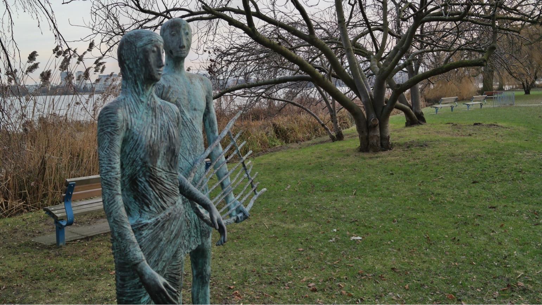 Skulptur an der Außenalster in Hamburg