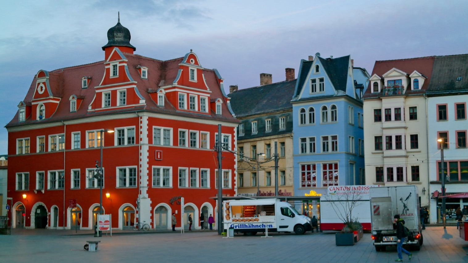 Halle: Markt mit Marktschlösschen